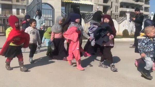 Лагерь беженцев Аль-Холь: первая эвакуация детей