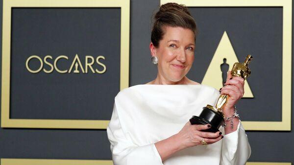 Художница по костюмам Жаклин Дюрран на церемонии вручения премии Оскар