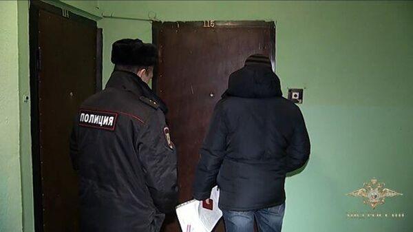 Кадры задержания сообщников пранкера, имитировавшего приступ от коронавируса
