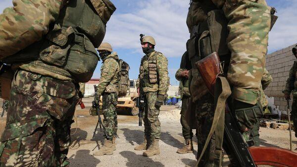 Боевики поддерживаемых Турцией формирований в сирийской провинции Идлиб