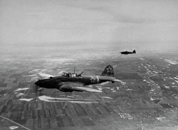 Советские штурмовики идут на Будапешт. 3-й Украинский фронт
