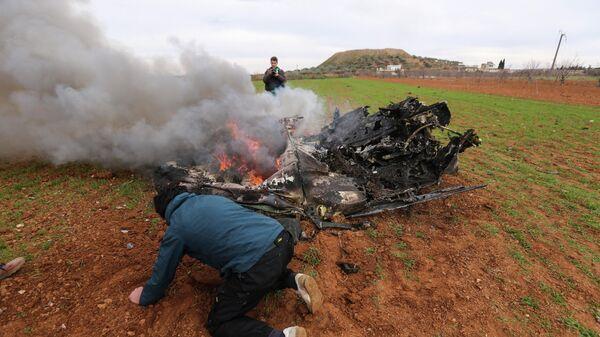 Обломки военного вертолета примерно в 6 километрах к юго-востоку от города Идлиб. 11 февраля 2020