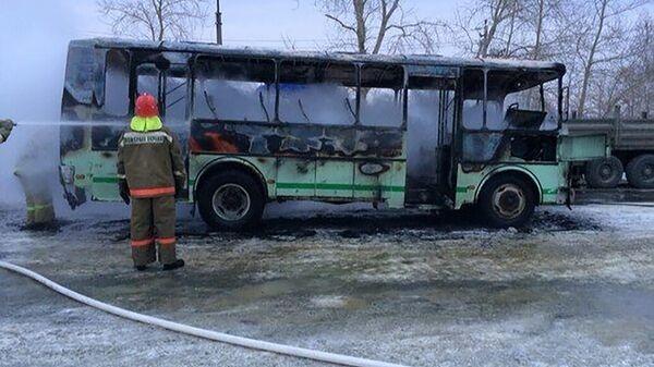 Последствия возгорания в салоне школьного автобуса в Тюменской области. 14 февраля 2020