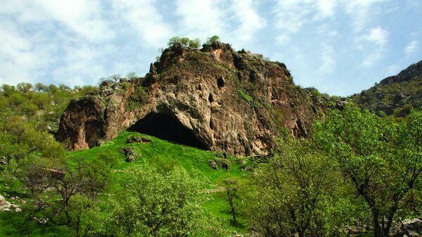 Вид на пещеру Шанидар в иракском Курдистане