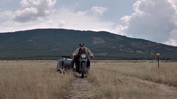 Кадр из фильма Калашников