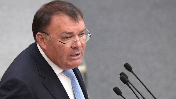 Первый заместитель председателя комитета Госдумы РФ по бюджету и налогам Александр Ремезков