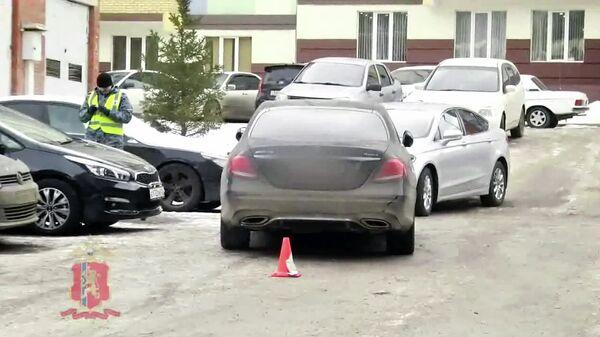 Место наезда на журналиста телеканала Россия в Красноярске. Стоп-кадр видео МВД
