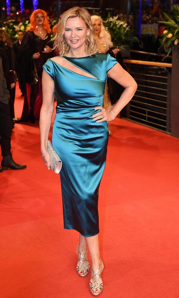 Актриса Вероника Феррес на красной дорожке церемонии открытия юбилейного 70-го Берлинского международного кинофестиваля Берлинале - 2020