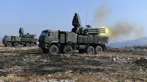 Зенитные ракетно-пушечные комплексы Панцирь-С1 во время совместных российско-сербских учений ПВО Славянский щит в Сербии