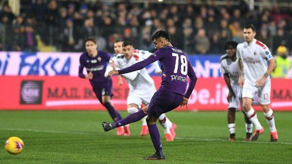 Игровой момент матча Фиорентина - Милан