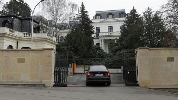 Посольство в Чехии прокомментировало высылку двух сотрудников