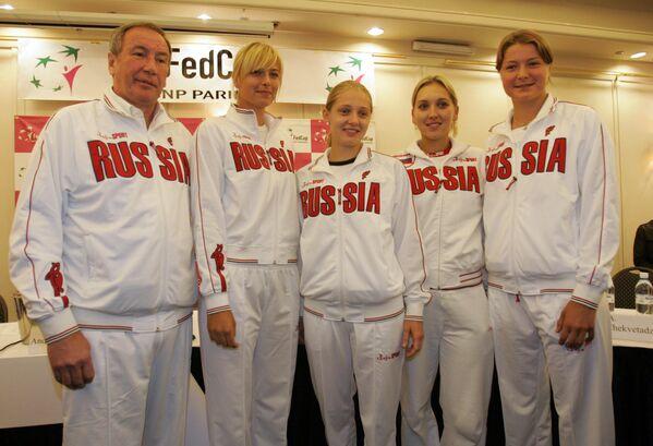 Мария Шарапова (вторая слева) в составе сборной России
