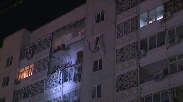 Стоп-кадр видео последствий взрыва газа в девятиэтажном доме в городе Элиста