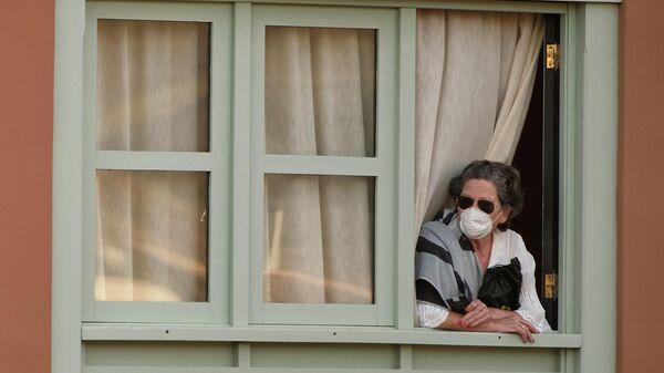 Женщина в отеле Costa Adeje Palace в Ла Калета, Тенерифе
