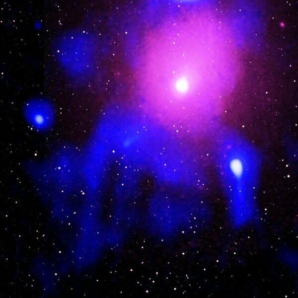 Мощнейший взрыв во Вселенной в сверхскоплении Змееносца