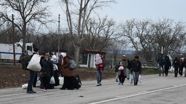 Беженцы на границе Турции и Греции