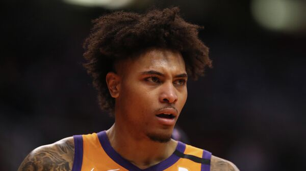 Нападающий клуба НБА Финикс Санз Келли Убре-младший