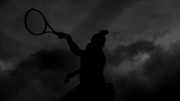 Сара Соррибес Тормо (Испания) в матче женского одиночного разряда Открытого чемпионата Франции по теннису против Элисон ван Эйтванк (Бельгия)