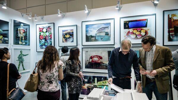 Картины на ярмарке современного искусства Affordable Arts Fair