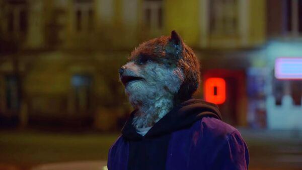 Кадр из видео Trouble In Town группы Coldplay