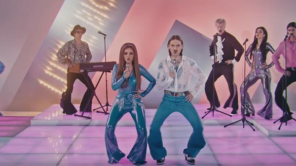Кадр из клипа Uno группы Little Big