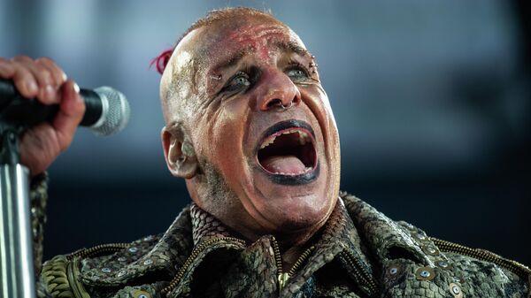 Тилль Линдеманн выступает в составе группы Rammstein