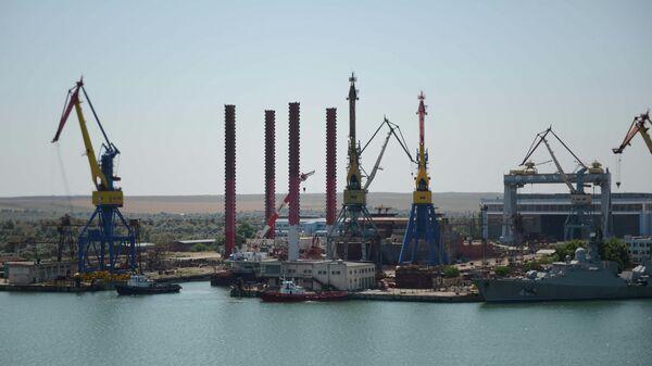 Судостроительный завод в Керчи