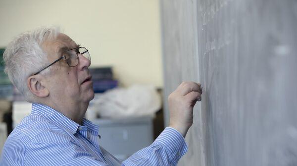 Российско-американский ученый Григорий Маргулис