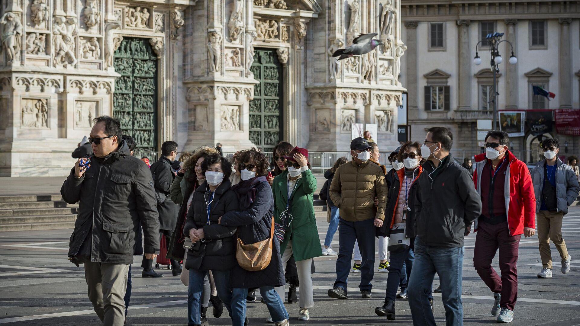 Туристы на одной из улиц Милана - РИА Новости, 1920, 21.01.2021