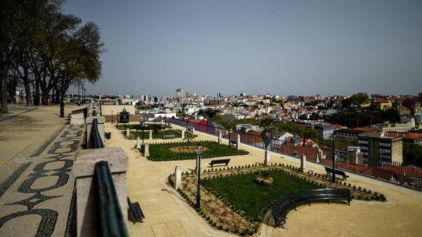 Смотровая площадка Сан Педро де Алькантара в Лиссабоне