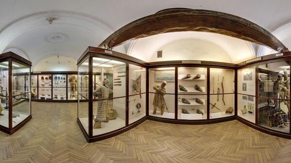 Зал Северной Америки с уникальными коллекциями, иллюстрирующими культуру, быт и традиции североамериканских индейцев