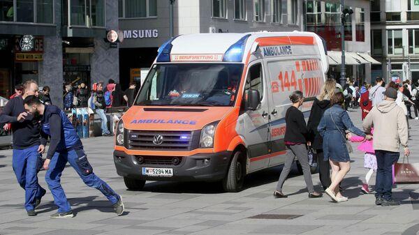 Автомобиль скорой помощи в центре Вены