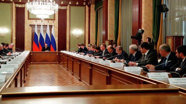 Председатель правительства РФ Михаил Мишустин проводит совещание по развитию электронной промышленности и дополнительных мерах поддержки отрасли