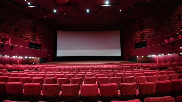 Киноцентр Октябрь приостановил работу в связи с пандемией коронавируса