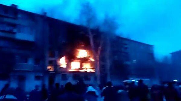 Кадры с места взрыва газа в доме в Магнитогорске