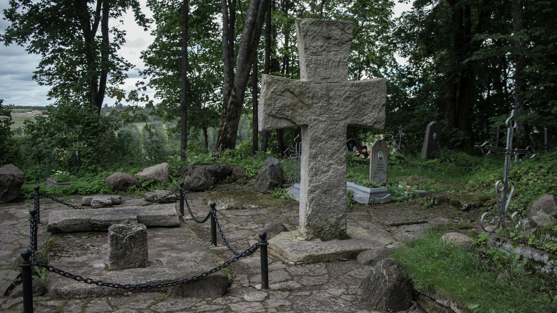 Труворов крест в Изборске Псковской области - РИА Новости, 1920, 28.03.2020
