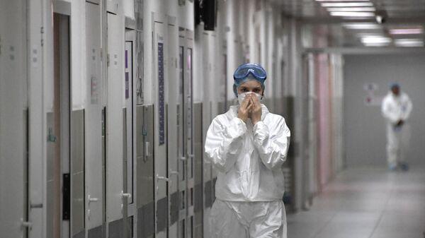 Медицинский работник в больнице No 15 им. Филатова