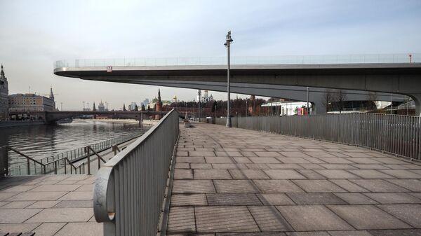 Парящий мост парка Зарядье закрыт для посетителей