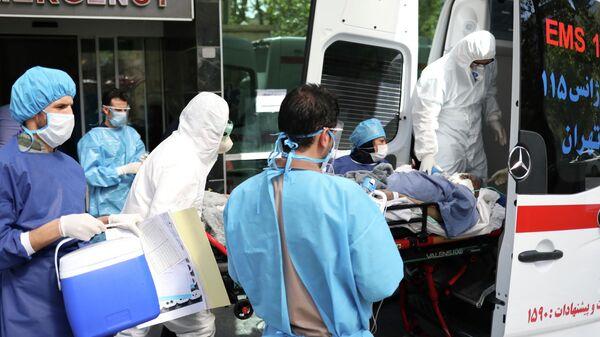 Врачи скорой медицинской помощи в Иране