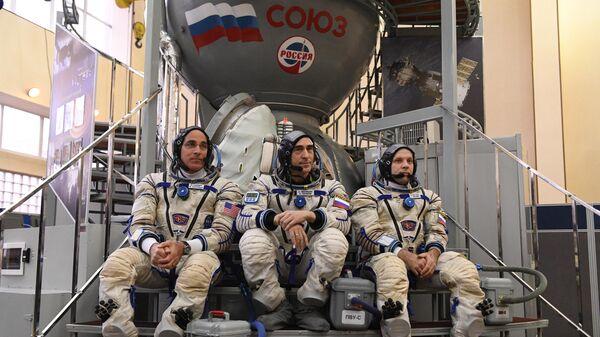 Космонавты Роскосмоса Иван Вагнер, Анатолий Иванишин и астронавт НАСА Кристофер Кэссиди