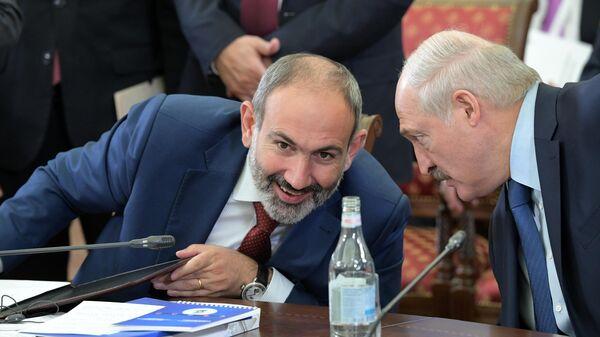 Премьер-министр Армении Никол Пашинян и президент Белоруссии Александр Лукашенко
