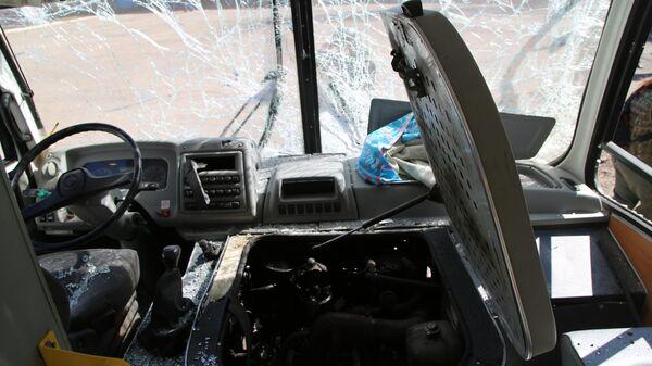 Водительская кабина автобуса, поврежденного в результате обстрела украинскими силовиками  в Горловке Донецкой области