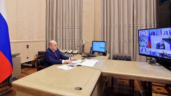Председатель правительства РФ Михаил Мишустин во время заседания