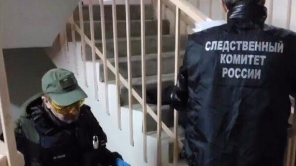 Следственная группа работает на месте убийства пяти человек в поселке Елатьма Рязанской области