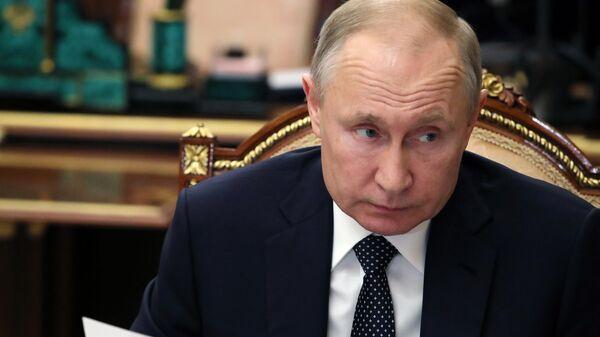 Путин подчеркнул ответственность регионов в борьбе с коронавирусом