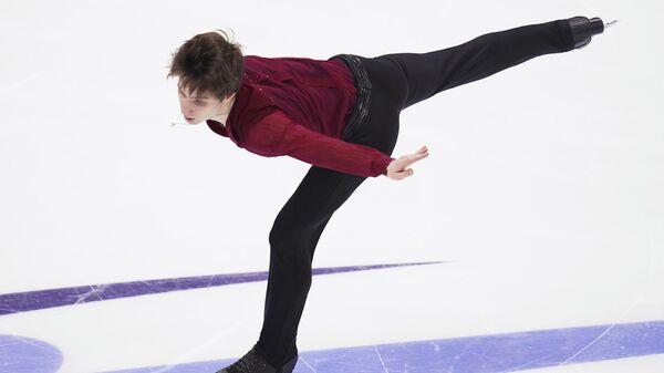 Андрей Лазукин выступает с произвольной программой в мужском одиночном катании на чемпионате России по фигурному катанию в Красноярске.