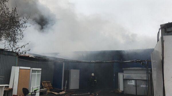 Тушение пожара на промышленном предприятии в городском округе Дзержинский Московской области