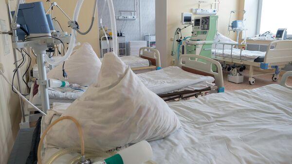 Палата интенсивной терапии в госпитале для лечения больных с коронавирусной инфекцией