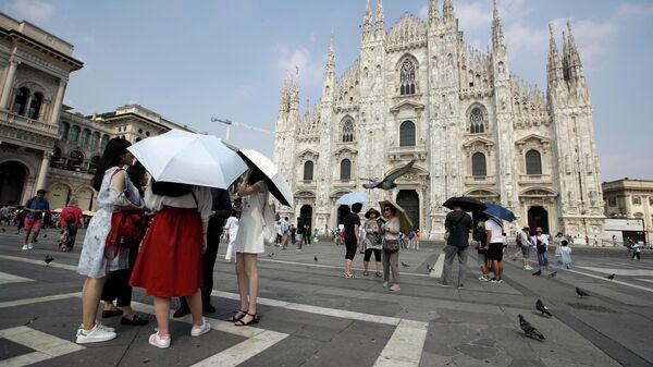 Туристы в Милане, Италия