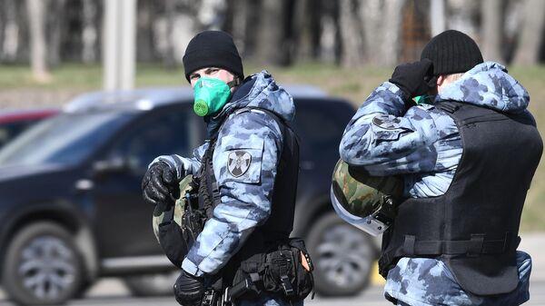 Проверка автомобилей на въезде в Москву